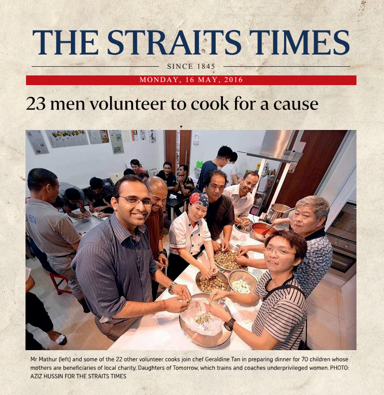 23 men volunteer to cook for a cause